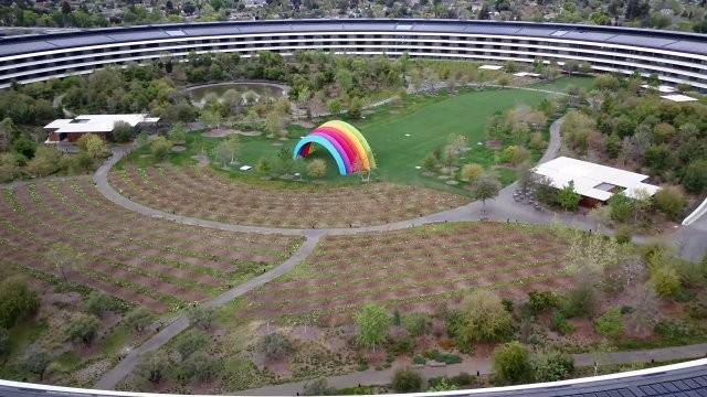 Штаб-квартира Apple в Купертино опустела из-за коронавируса (7 фото)