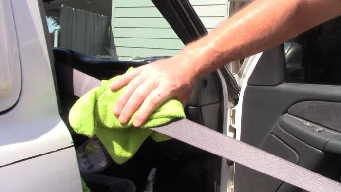 Что делать, если перестал втягиваться ремень безопасности (5 фото)