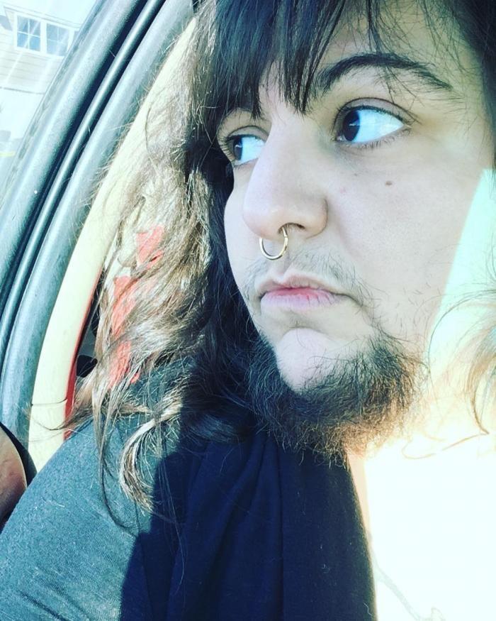 Бородатая девушка нашла себе «вторую половину» в соцсетях (10 фото)