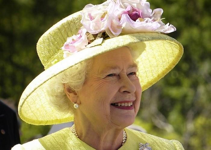 Мифы о британской монархии (6 фото)