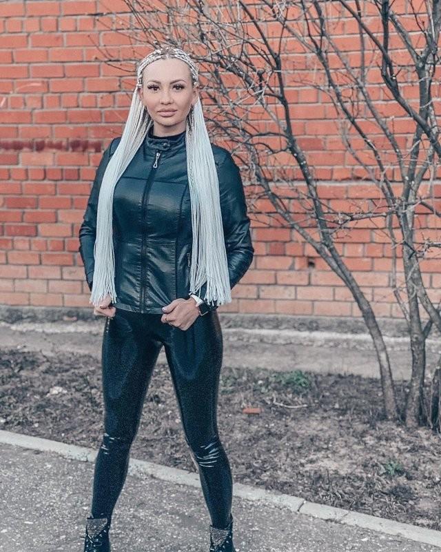 """Блогерша о карантине: """"Если я хочу гулять - я пойду гулять (10 фото)"""