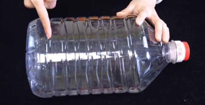 Японский способ применения 5-литровой бутыли на кухне (5 фото)