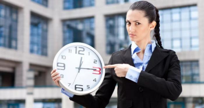 Почему не нужно ждать опоздавших людей (4 фото)