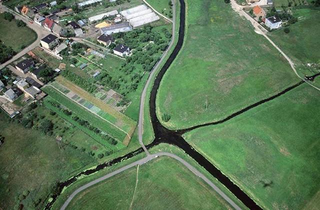 Самые необычные реки планеты (7 фото)