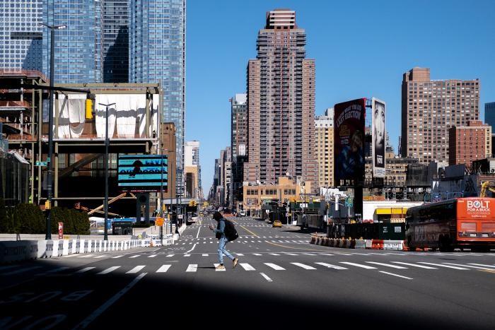 Пустынный Нью-Йорк в фотографиях (10 фото)
