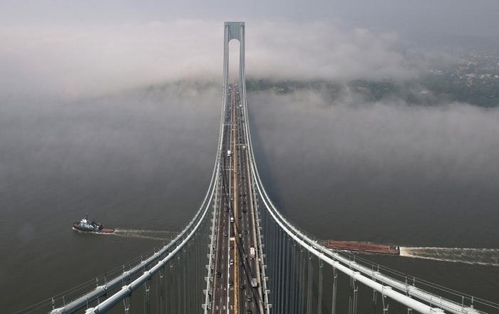 Самые длинные висячие мосты в мире (11 фото)