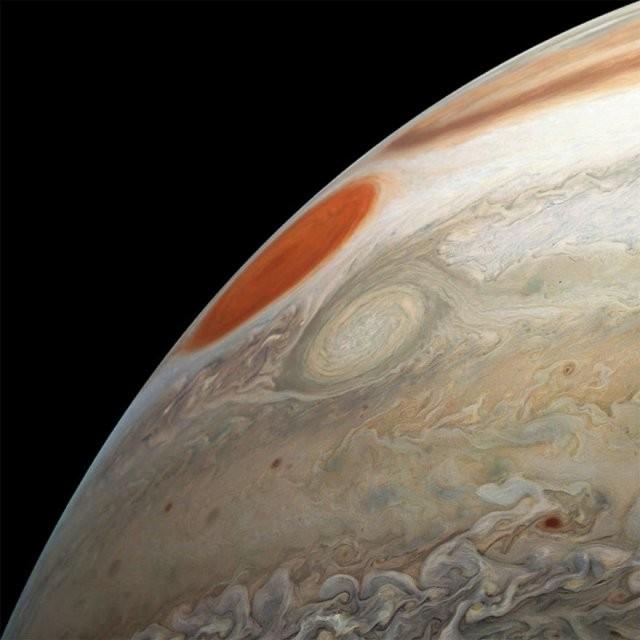 Великолепные снимки Юпитера от НАСА (20 фото)