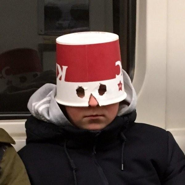 Чудаки и модники из метро (30 фото)