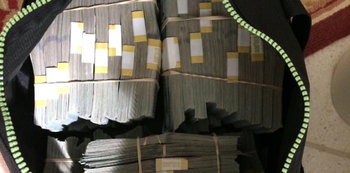 Американец, купивший на аукционе сейф, стал миллионером (5 фото)