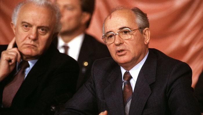 Для чего Горбачёв подарил США часть акватории СССР (5 фото)