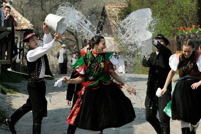 Пасхальные традиции разных стран мира (фото)
