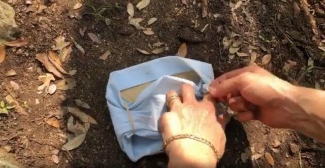 Мэттью Макконахи показал как сделать крутую ковбойскую маску (5 фото)