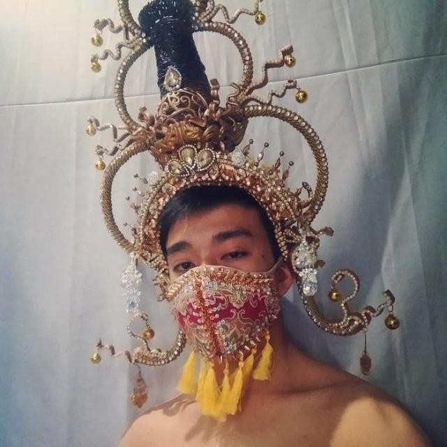 Люди, которые вывели медицинские маски на новый уровень (15 фото)