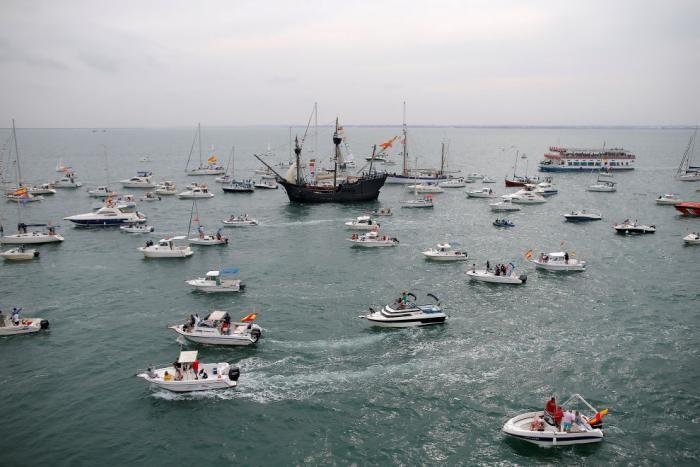 Морские корабли в объективе (10 фото)