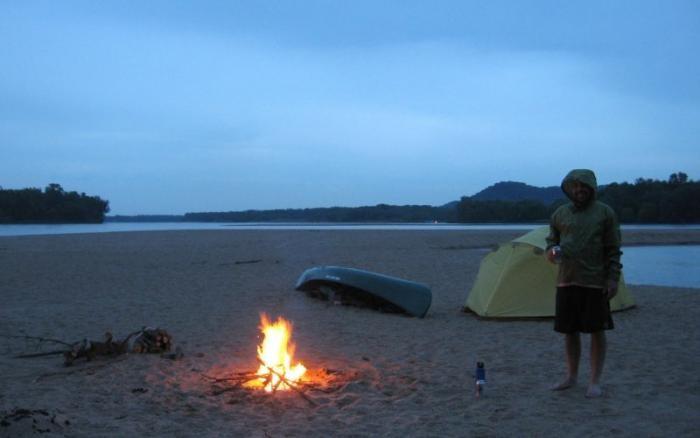 Верные способы разжечь костер (6 фото)