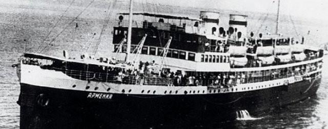 Военные обнаружили в Черном море потопленный немцами теплоход (3 фото)