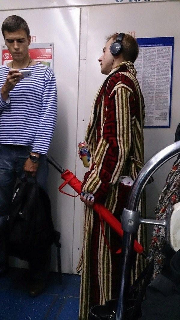 Модники из метро (16 фото)