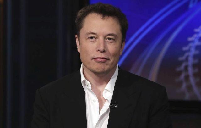 """Илон Маск о самоизоляции: """"Верните людям их чертову свободу!""""(2 фото)"""