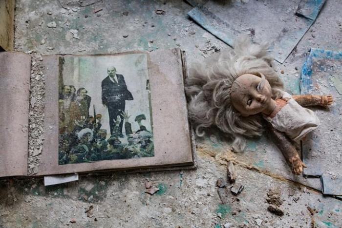 Туристы в Чернобыле (12 фото)