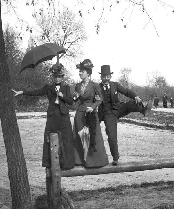Фотографии из 1800-х годов, люди - веселые и улыбчивые (15 фото)