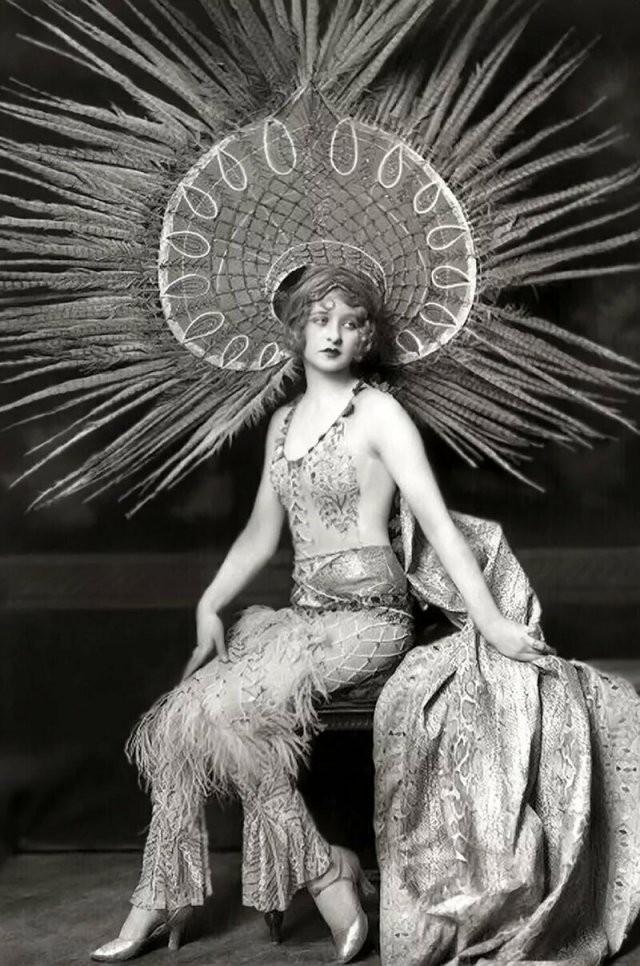Без фотошопа и силикона: модели 1920-х годов (15 фото)