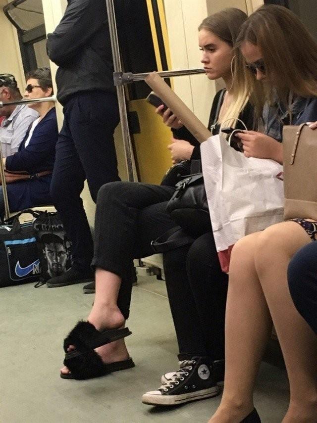 Модники из метрополитена (23 фото)