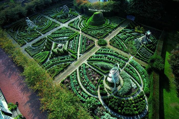 Садово-парковые комплексы, ставшие произведениями искусства (6 фото)
