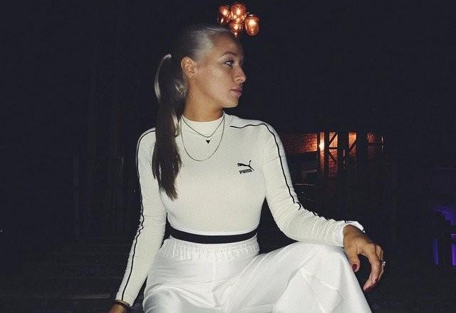 Анна Романовская – голос группы Cream Soda (4 фото)