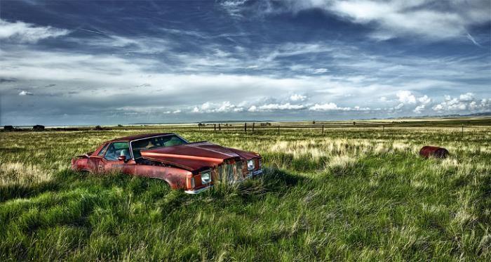Заброшенные автомобили в Европе и США (10 фото)