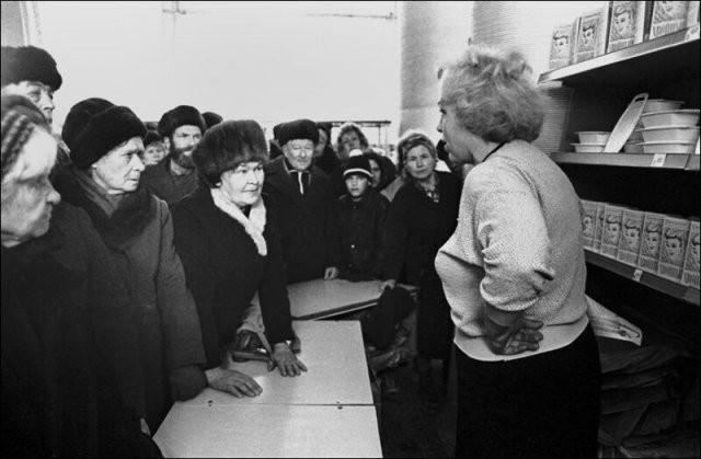 Товарный дефицит в СССР: как это было (15 фото)