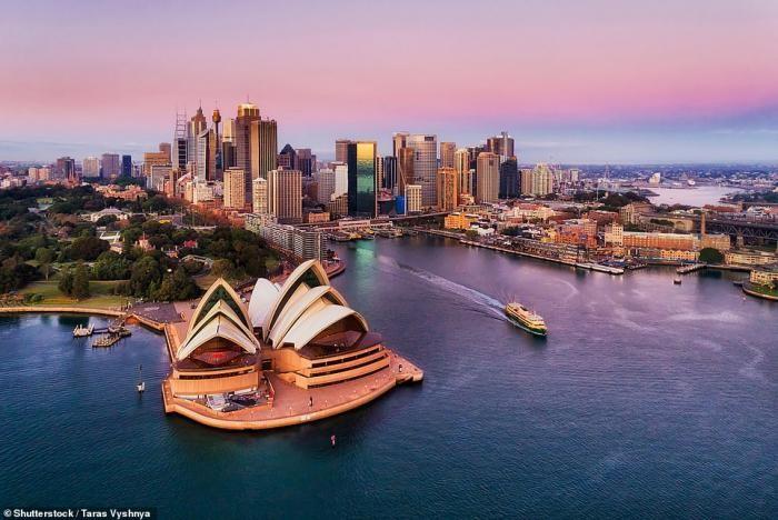 Захватывающие порты мира (20 фото)