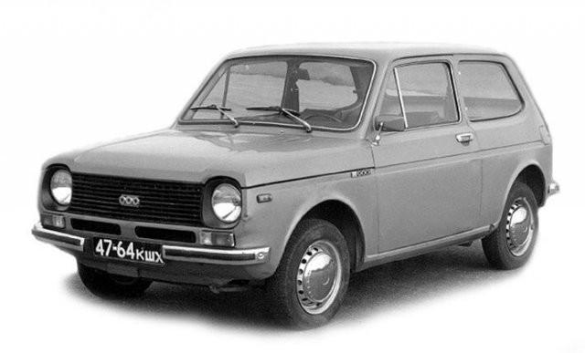 Необычные автомобильные концепты времен СССР (13 фото)