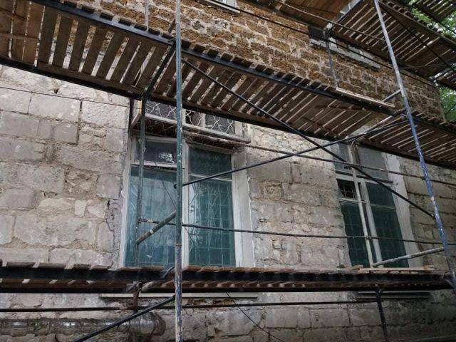Мрачный сюрприз нашли при ремонте техникума в Симферополе (8 фото)