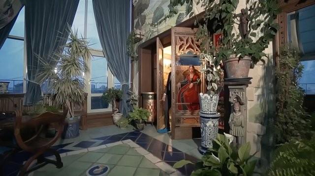 Посмотрите, как живет Никас Сафронов в 15-комнатной квартире (29 фото)