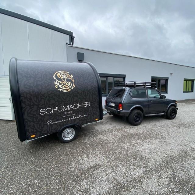 Автогонщик Ральф Шумахер купил внедорожник (9 фото)