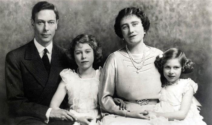 Чем отличаются самые популярные семьи монархов (7 фото)