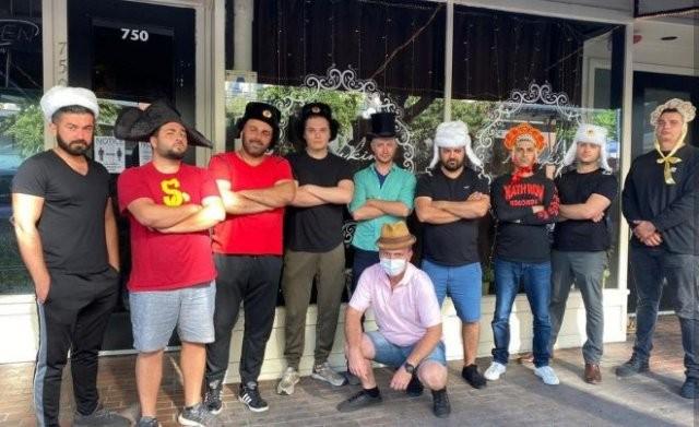 Вооруженные русские в Сан-Диего защитили свой ресторан (2 фото)