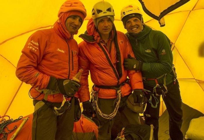 Малоизвестные факты про Эверест (10 фото)