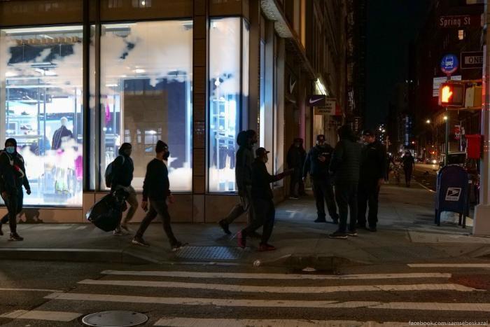 Судная ночь в Нью-Йорке (19 фото)