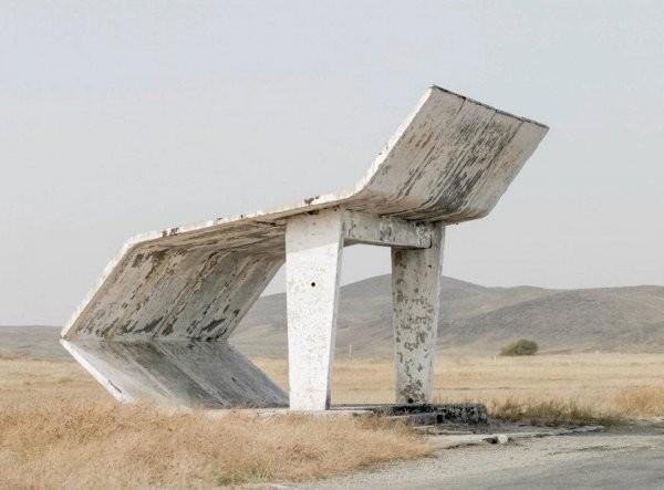 Советская автобусная остановка вдохновила пользователей (13 фото)