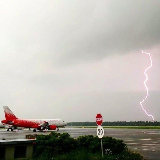 На Петербург обрушился градовый шторм (10 фото)