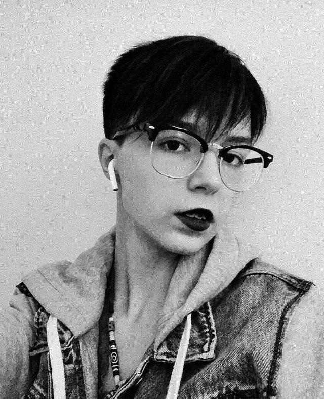 Анна-Мария Ефремова - дочь Михаила Ефремова (16 фото)