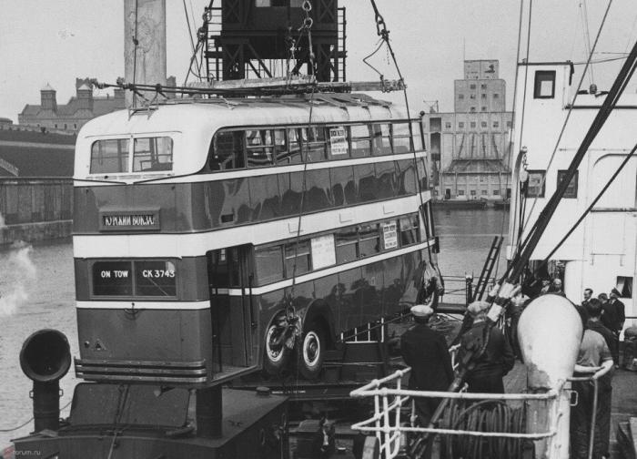 Почему двухэтажные автобусы не прижились в Советском Союзе (7 фото)