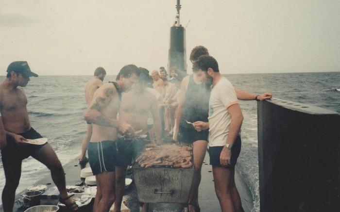 Как отдыхают подводники на субмаринах во время плаваний (11 фото)