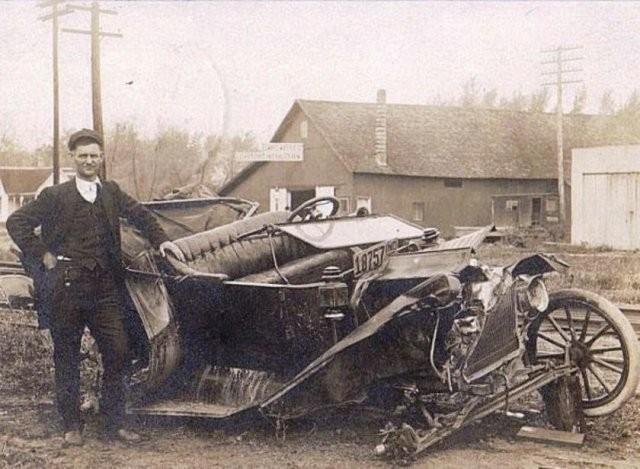 Фотографии аварий, сделанные во времена (15 фото)