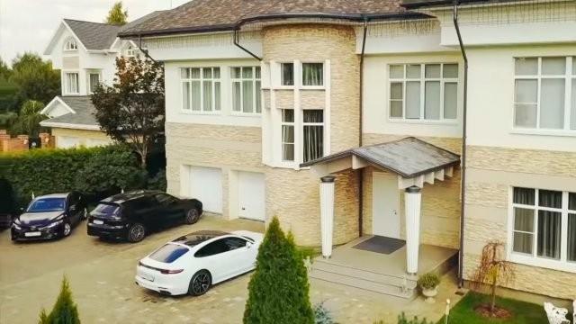 Дом Яны Рудковской и Евгения Плющенко на Рублевке (28 фото)