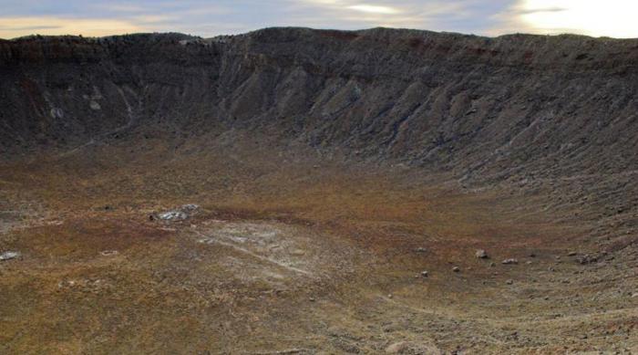 Метеориты, которые оставили свои следы в России (6 фото)