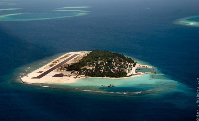 Мальдивские острова с высоты птичьего полета (27 фото)