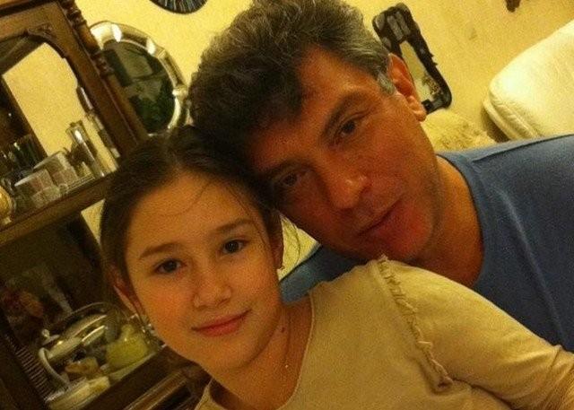 18-летняя дочь политика Бориса Немцова Дина выходит замуж (16 фото)