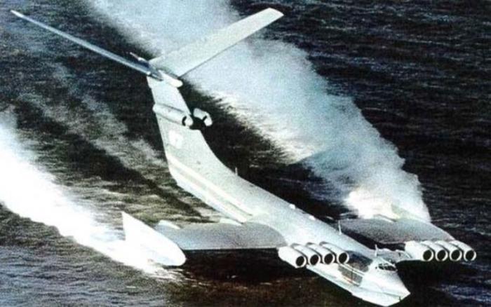 История самого мощного советского экраноплана (7 фото)